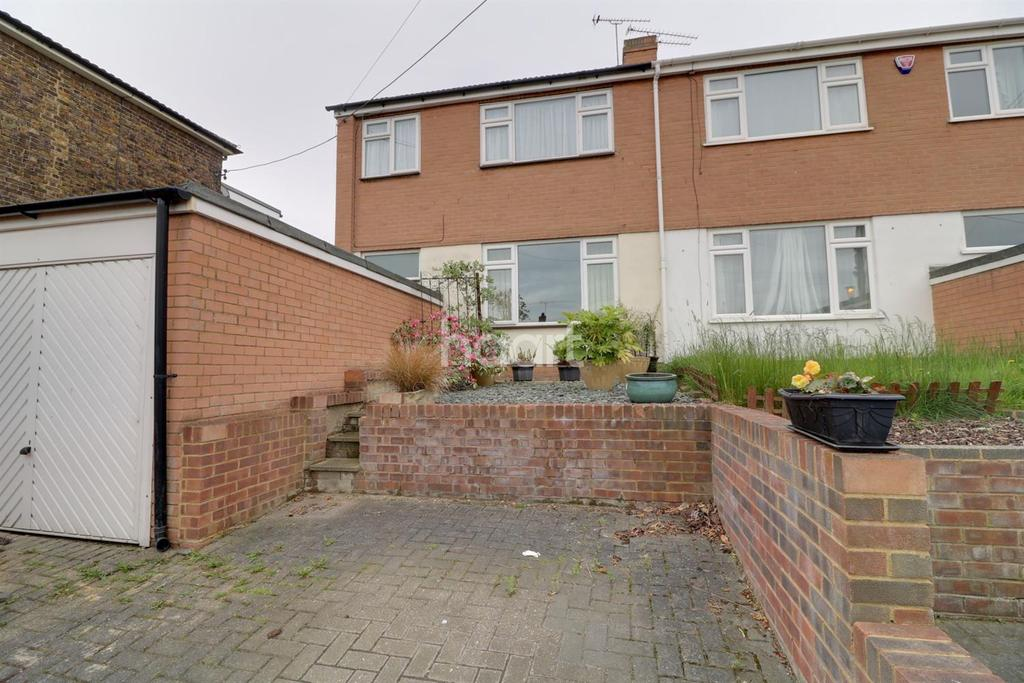 3 Bedrooms Terraced House for sale in Hermitage Road, Higham