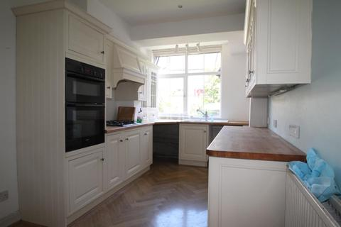 4 bedroom house to rent - Dingwall Gardens, London, NW11