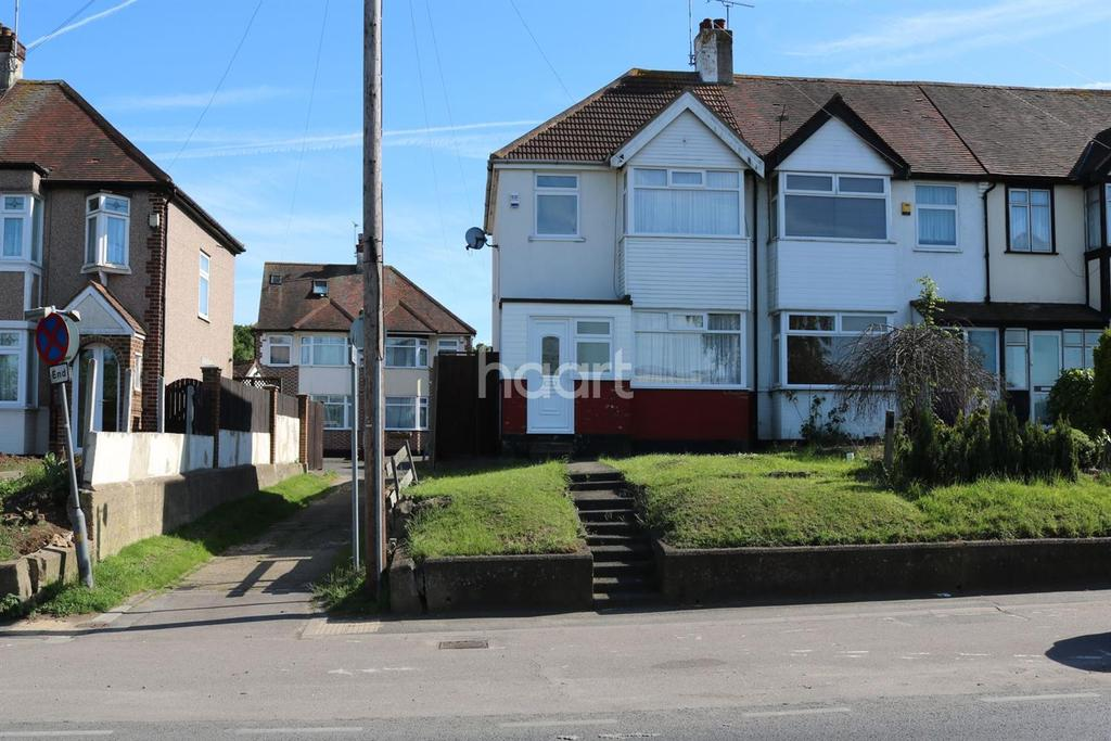 3 Bedrooms Semi Detached House for sale in Arterial Road, Leigh-On-Sea