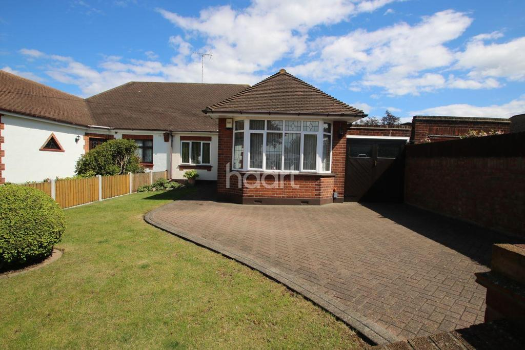 3 Bedrooms Bungalow for sale in Westcliff-on-sea