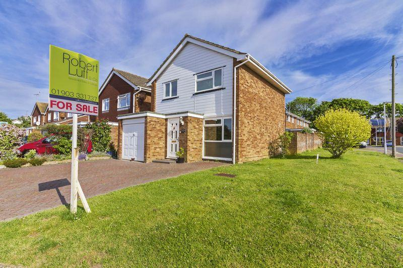 3 Bedrooms Detached House for sale in Taw Close, Worthing