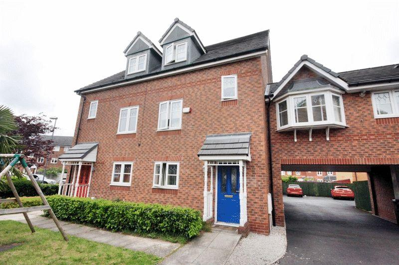 4 Bedrooms Town House for sale in Lawnhurst Avenue, Manchester