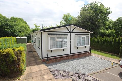 2 bedroom bungalow for sale - Stonehill Woods Park Sidcup DA14