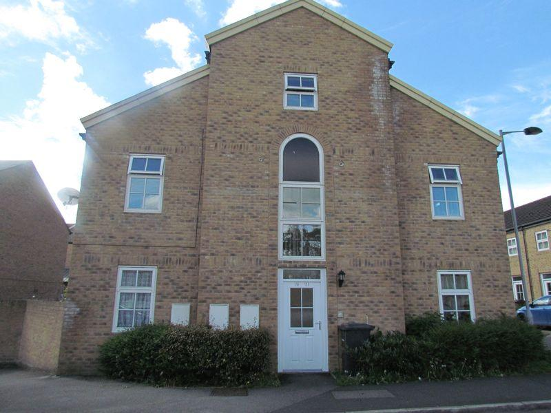 2 Bedrooms Apartment Flat for sale in Littlelands, Bingley