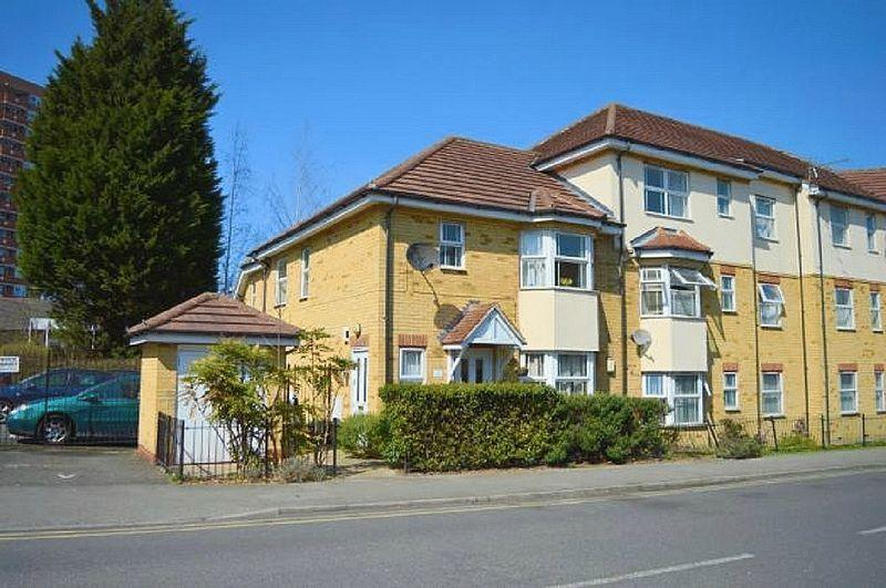 1 Bedroom Apartment Flat for sale in Strathmore Avenue, Luton