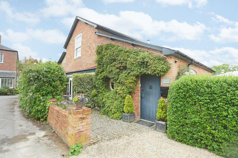 4 Bedrooms Detached House for sale in Devizes, Wiltshire, SN10 5JR