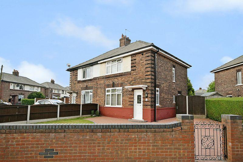2 Bedrooms Semi Detached House for sale in Moor Lane, Widnes