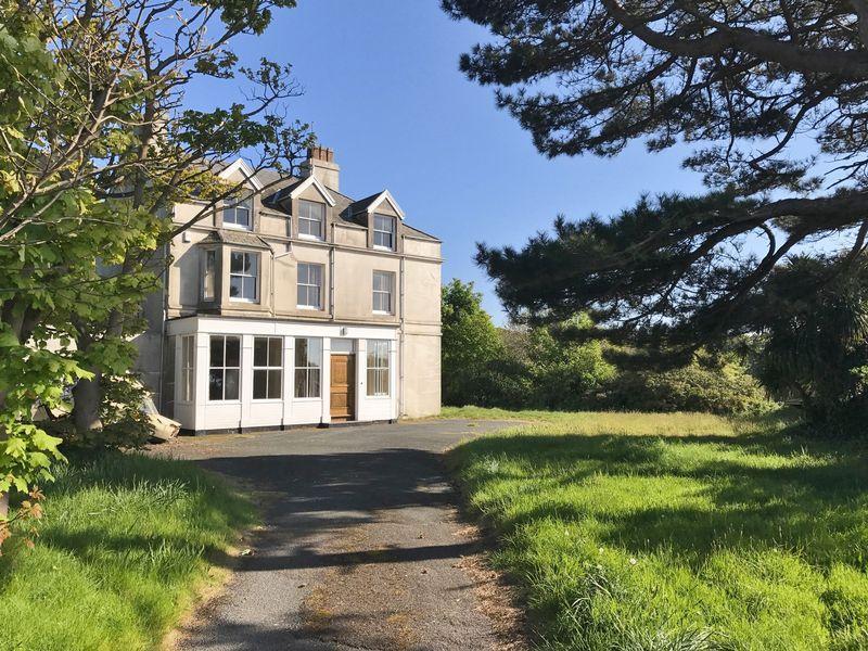 7 Bedrooms Detached House for sale in Douglas Road, Kirk Michael