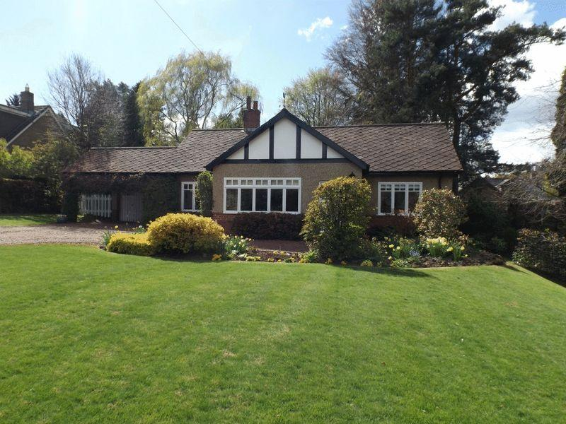 4 Bedrooms Bungalow for sale in Holly Lodge, Fulbeck, Morpeth