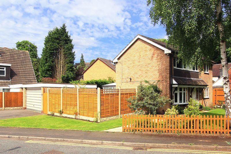 3 Bedrooms Detached House for sale in COMPTON, Compton Road West