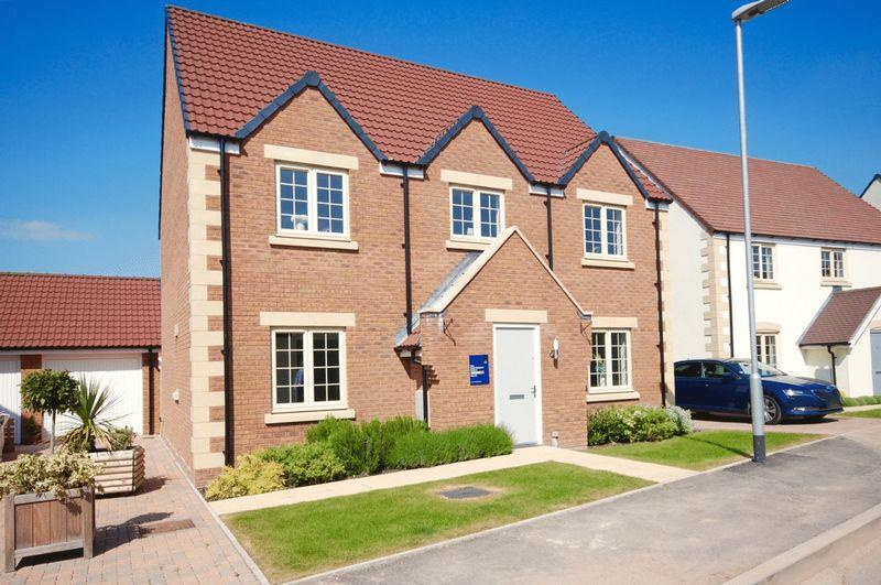 4 Bedrooms Detached House for sale in Wells
