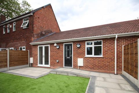 2 bedroom apartment to rent - Allen Road, Urmston, Manchester, M41