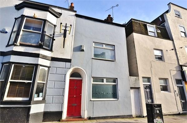 2 Bedrooms Terraced House for rent in George Street, Brighton, BN2