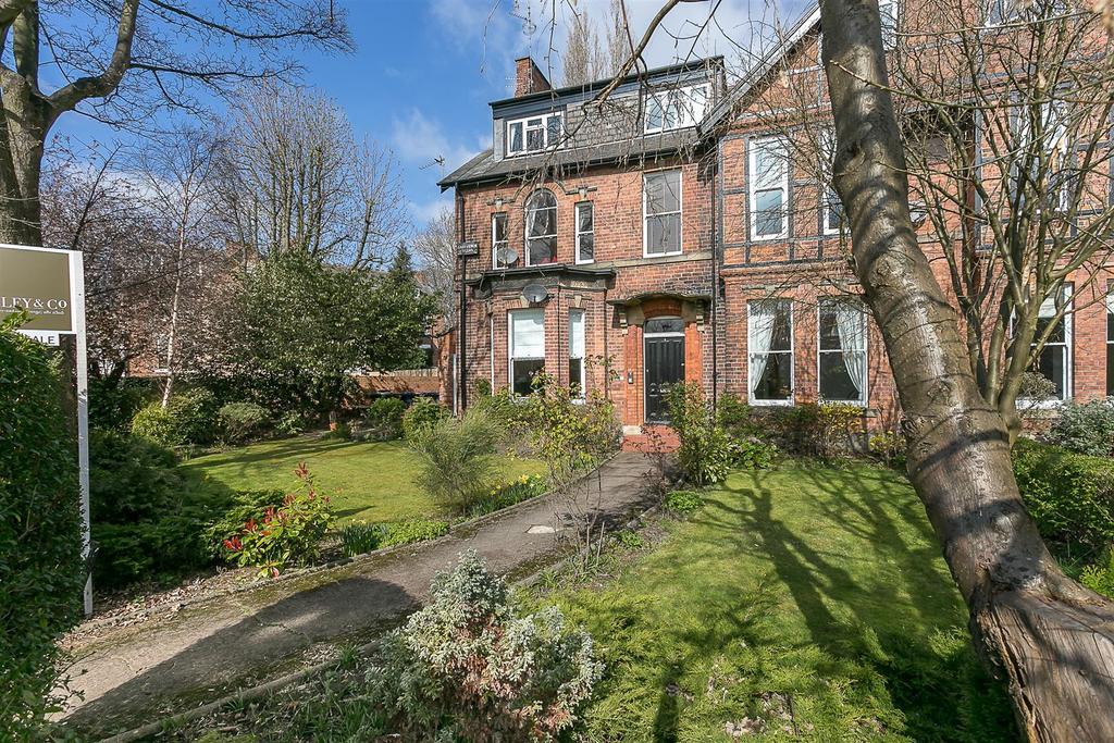 3 Bedrooms Maisonette Flat for sale in Grosvenor Villas, Jesmond, Newcastle upon Tyne