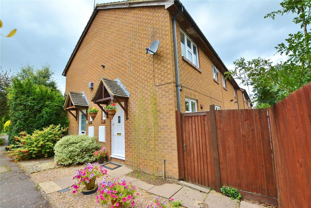 1 Bedroom End Of Terrace House for sale in Greensward, Bushey, Hertfordshire, WD23