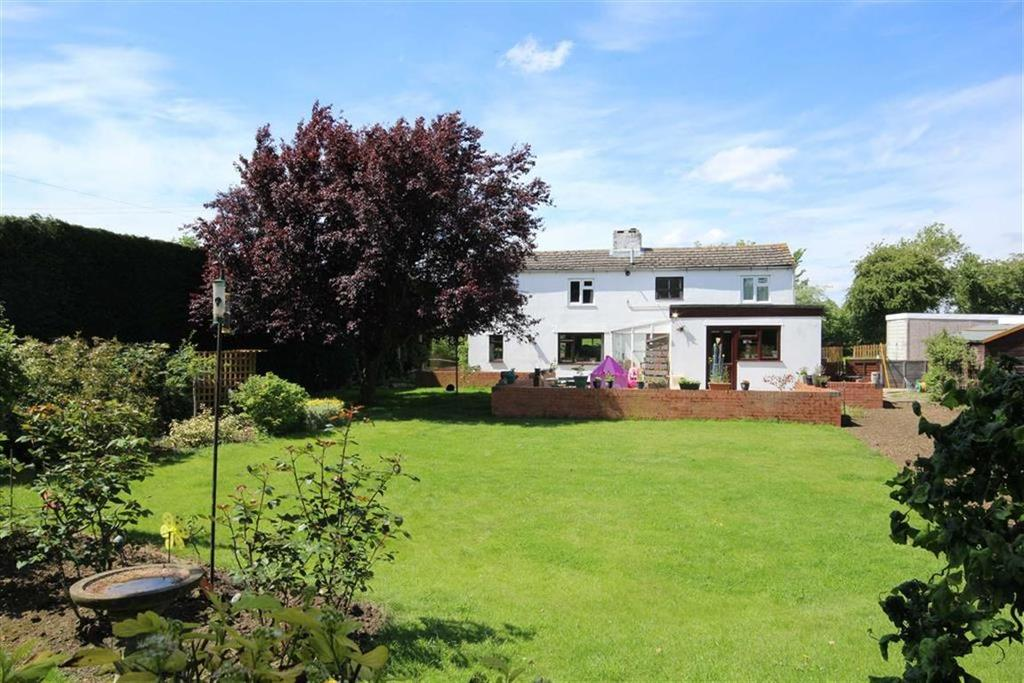 3 Bedrooms Detached House for sale in Walton Cardiff Village, Tewkesbury, Gloucestershire