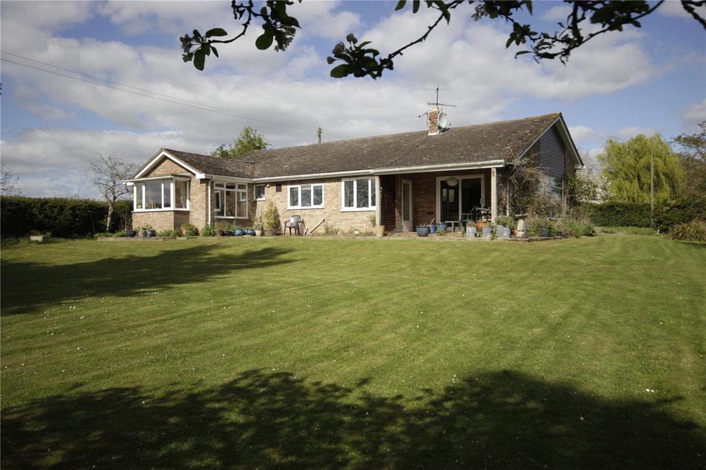 4 Bedrooms Detached Bungalow for sale in Broadwas, Worcester, Worcestershire