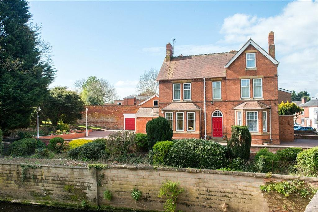 6 Bedrooms Detached House for sale in Henley Street, Alcester, B49