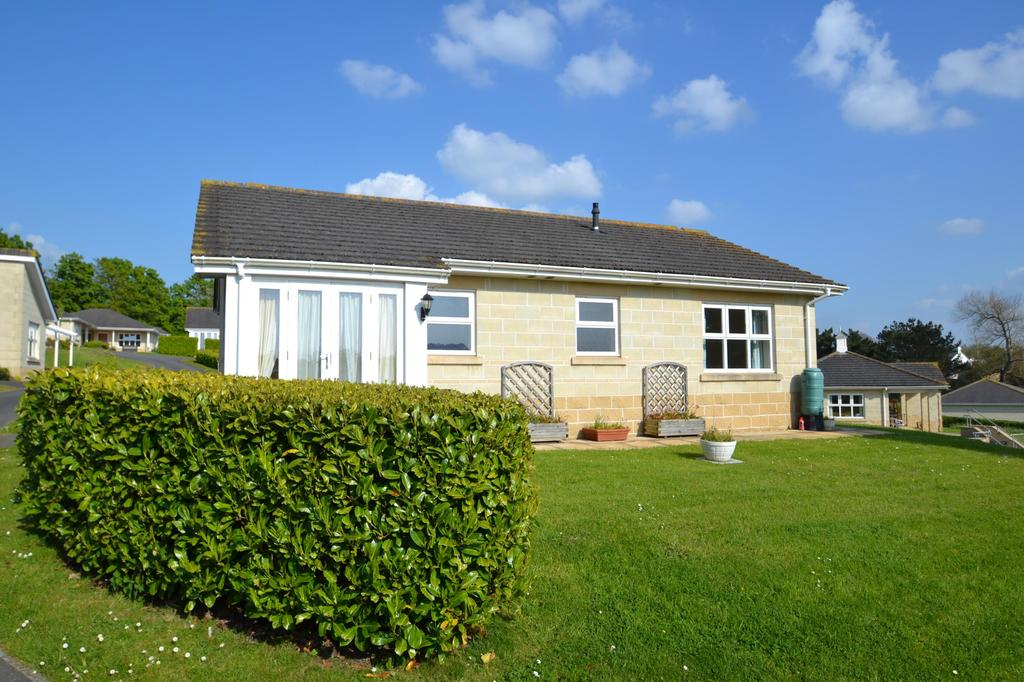 2 Bedrooms Bungalow for sale in Kenwith Castle Gardens, Abbotsham
