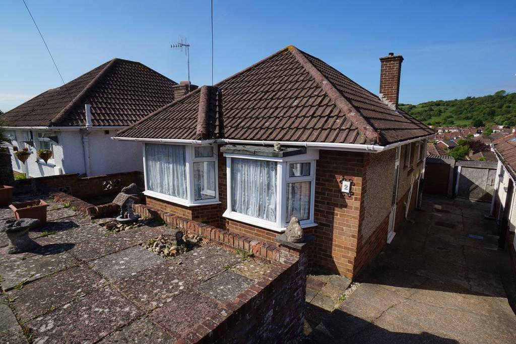 2 Bedrooms Detached Bungalow for sale in Avery Close, Portslade BN41