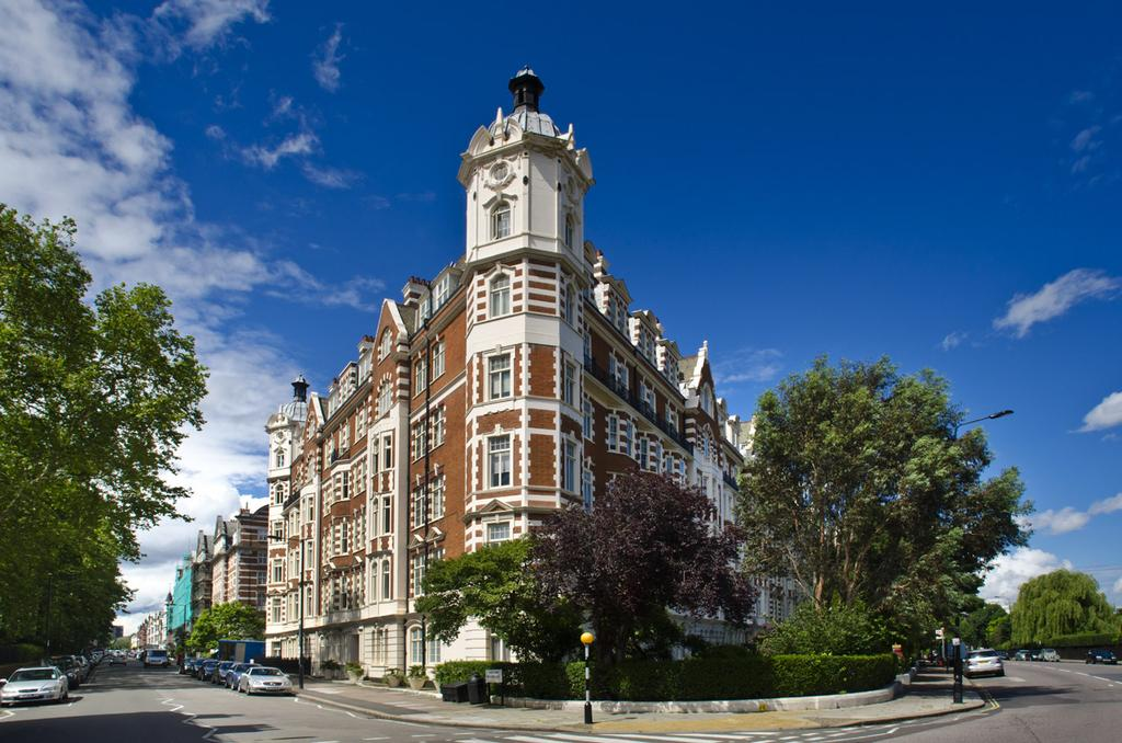 4 Bedrooms Flat for sale in North Gate