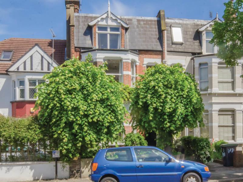 3 Bedrooms Flat for sale in Alexandra Park Road, N22