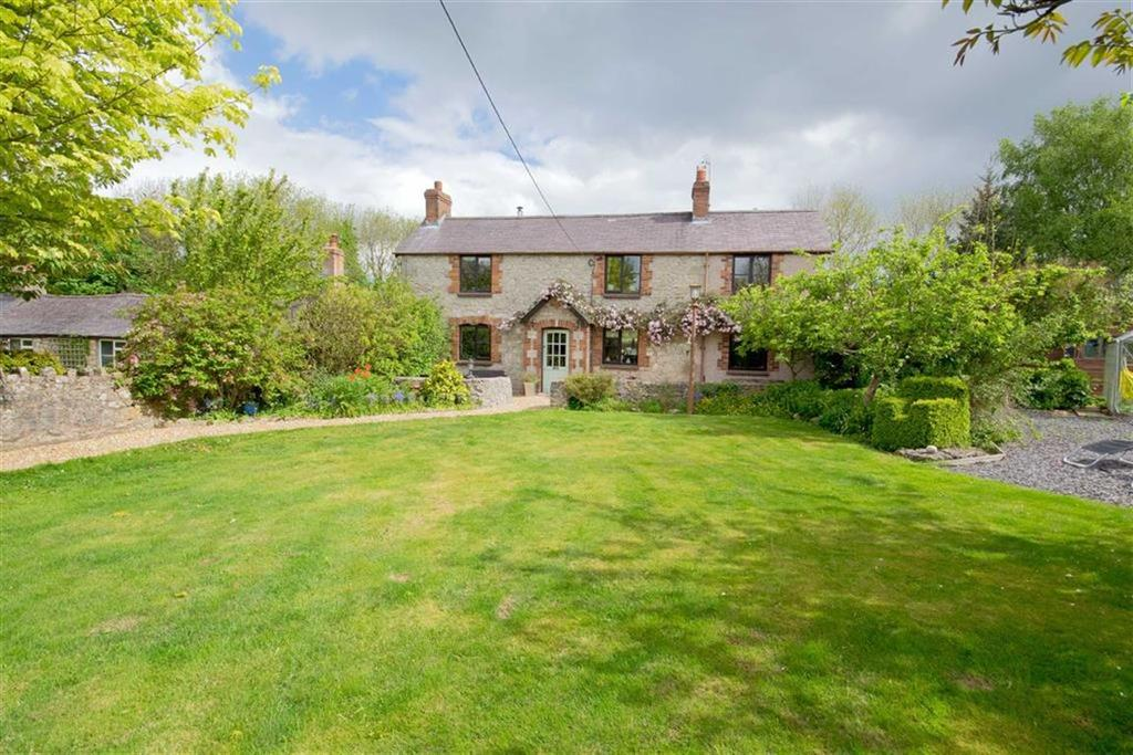 4 Bedrooms Cottage House for sale in Ffordd Garneddwen, Lixwm, Holywell