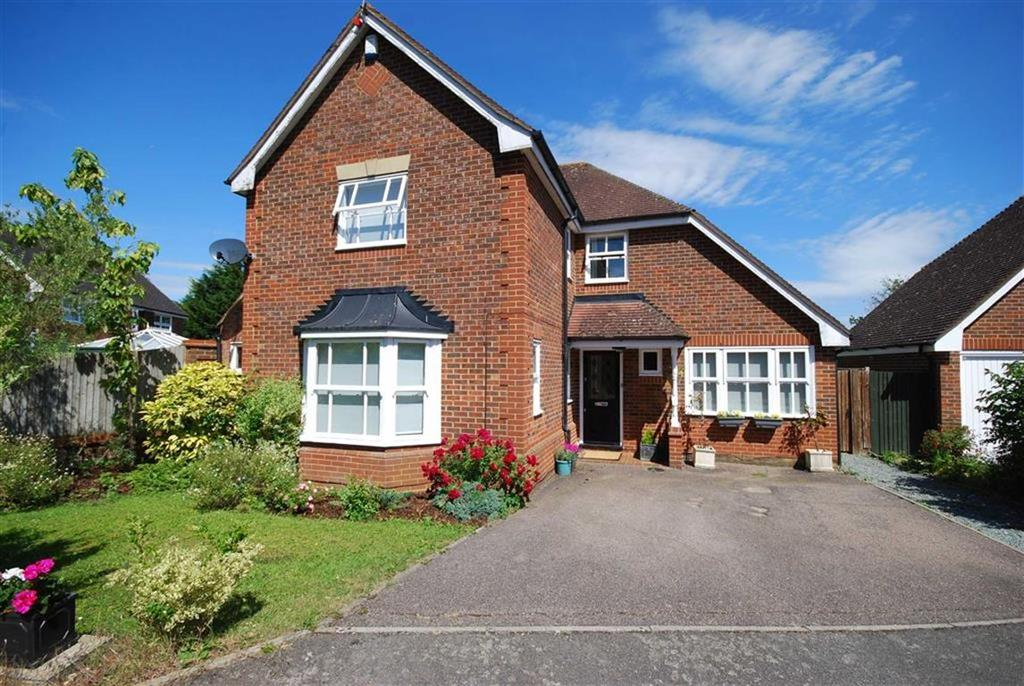 4 Bedrooms Detached House for sale in Headingley Close, Shenley