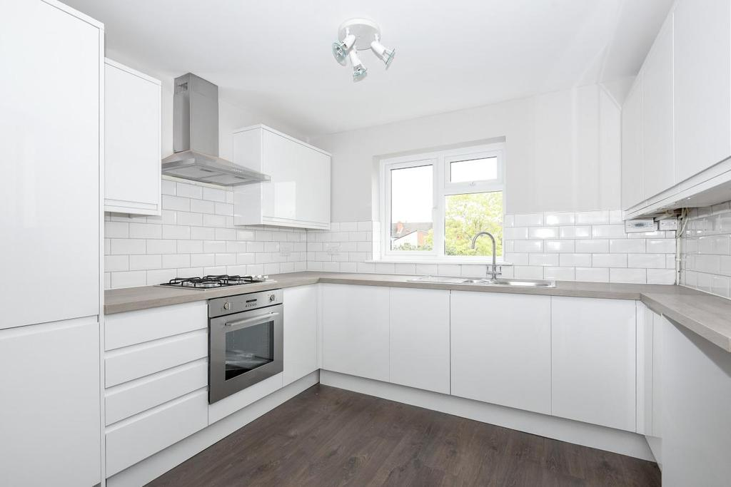 2 Bedrooms Maisonette Flat for sale in Bourdon Road, Anerley, SE20