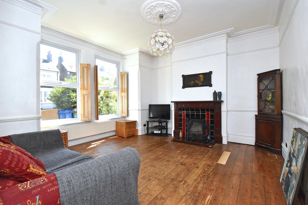3 Bedrooms Semi Detached House for sale in Barry Road East Dulwich London