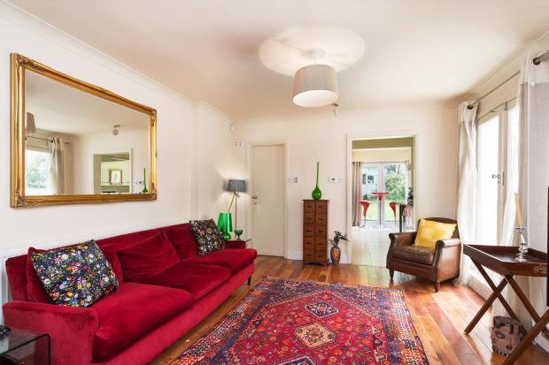 2 Bedrooms Maisonette Flat for sale in Cromwell Avenue, Highgate Village, London, N6