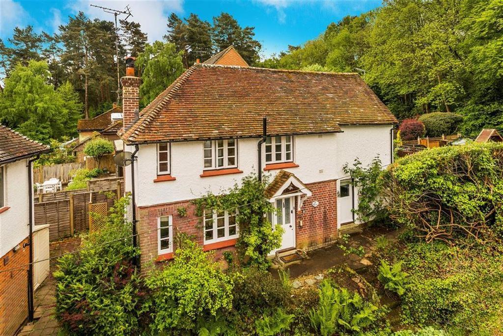2 Bedrooms Cottage House for sale in Hammer Lane, Grayshott
