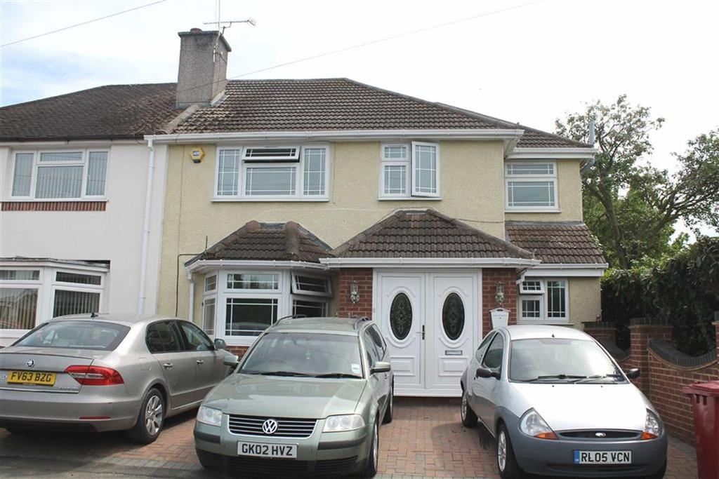 5 Bedrooms Semi Detached House for sale in Moreton Way, Cippenham, Berkshire