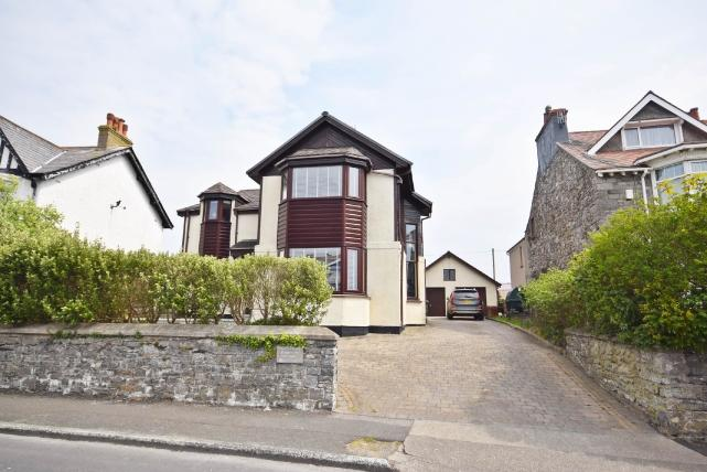 4 Bedrooms House for sale in Shore Road, Castletown, IM9 1BF