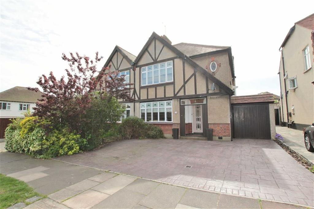 3 Bedrooms Semi Detached House for sale in Medway Crescent, Leigh-On-Sea, Essex