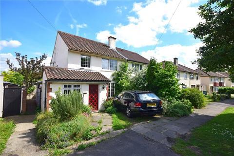 3 bedroom semi-detached house to rent - Sterne Close, Cambridge, Cambridgeshire, CB1