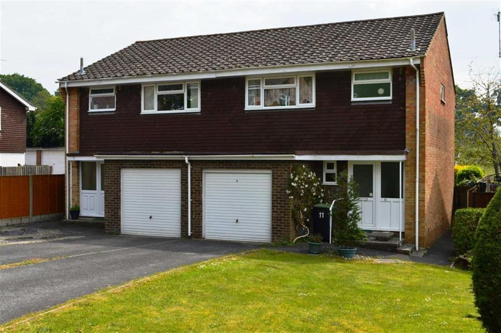 3 Bedrooms Semi Detached House for sale in Stirrup Close, Wimborne, Dorset