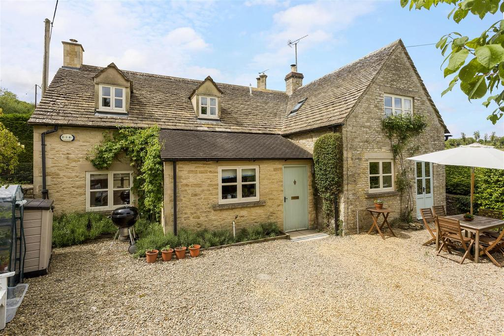 3 Bedrooms Detached House for sale in Chedworth