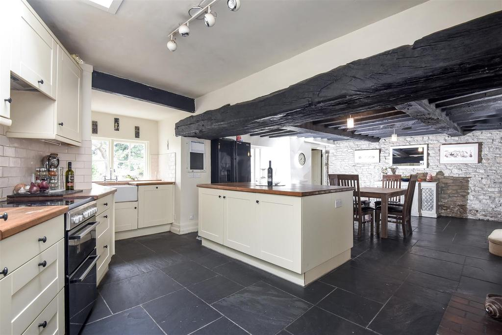 6 Bedrooms Terraced House for sale in West End, Witney