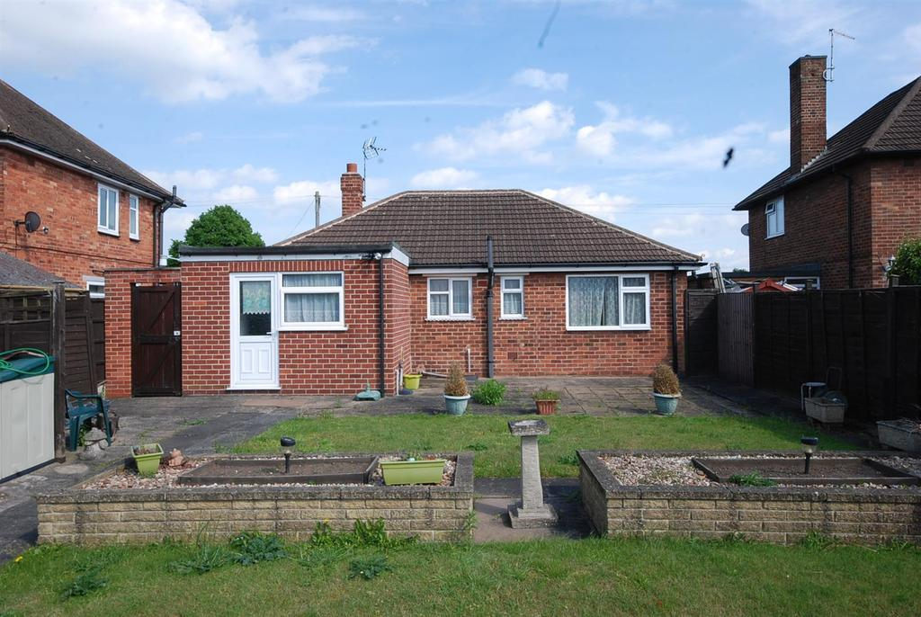 2 Bedrooms Detached Bungalow for sale in Eton Avenue, Newark