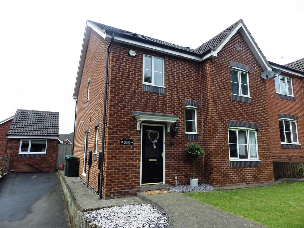 4 Bedrooms Detached House for sale in Bishops Walk, Cradley Heath