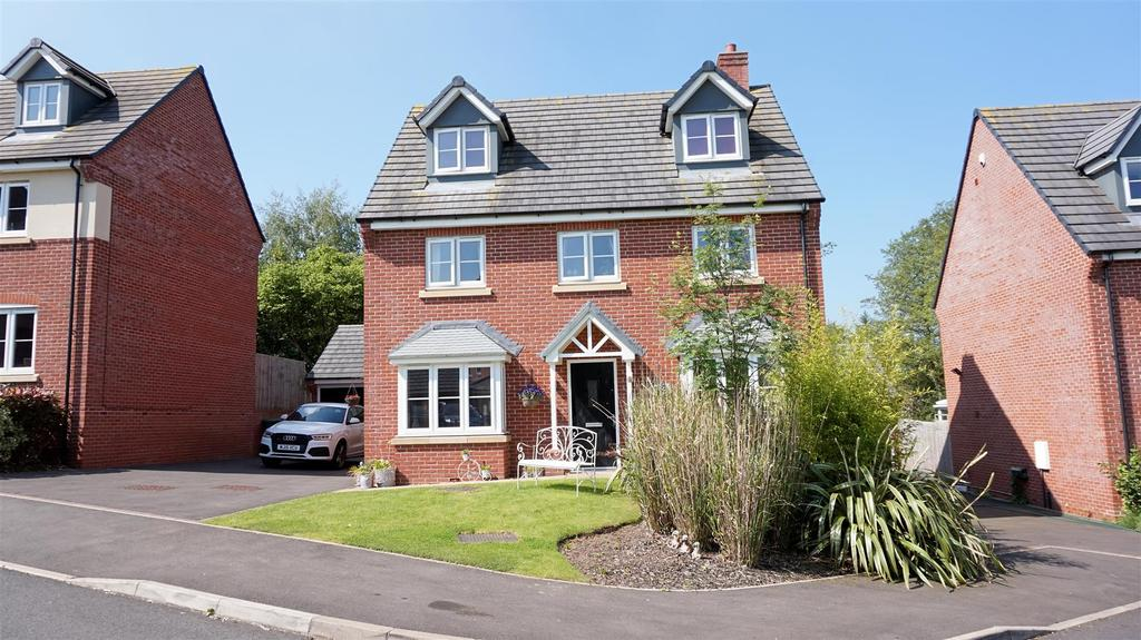 5 Bedrooms Detached House for sale in Moat Lane, Woore, Crewe, Cheshire