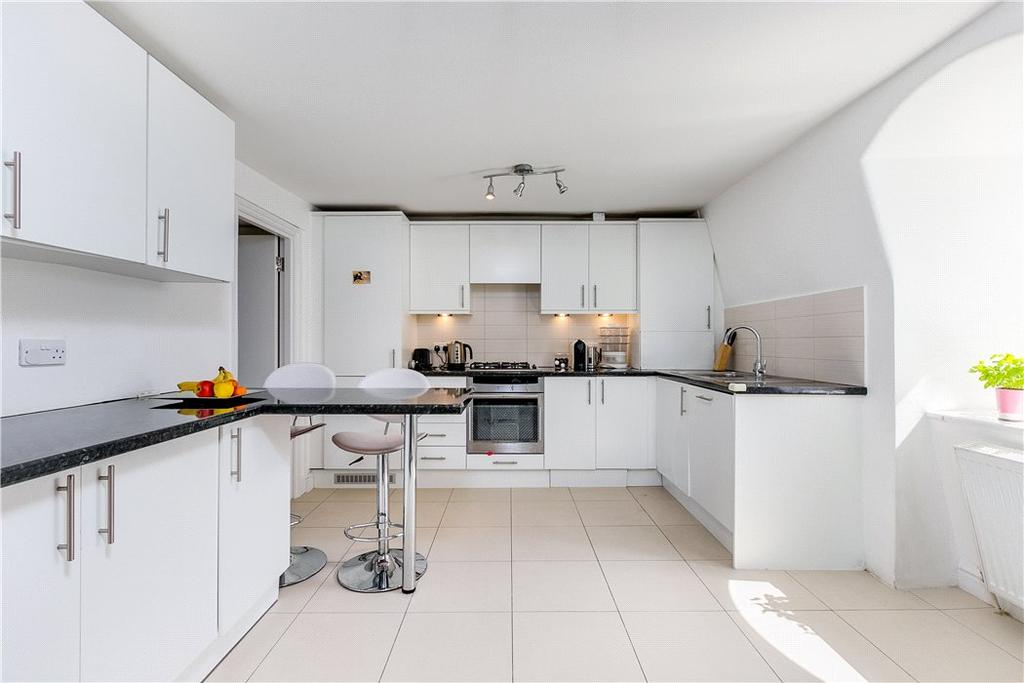 3 Bedrooms Flat for sale in Redcliffe Square, Chelsea, London, SW10