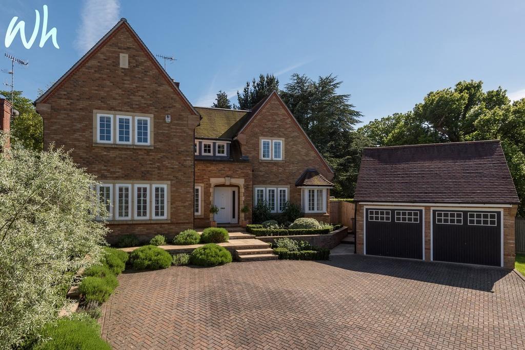 5 Bedrooms Detached House for sale in Deerhurst Park, Forest Row RH18