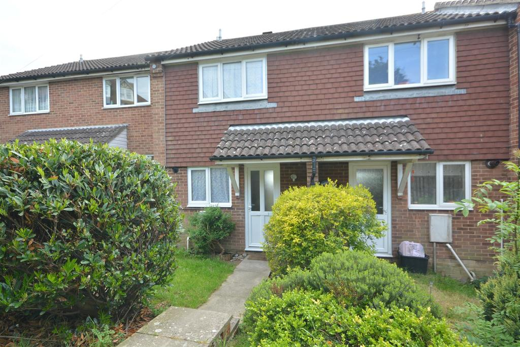 2 Bedrooms Terraced House for sale in Saunders Close, Hastings