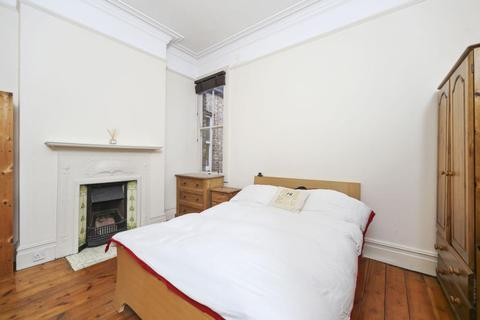 4 bedroom flat to rent - Granville Gardens, Ealing Common, London, W5
