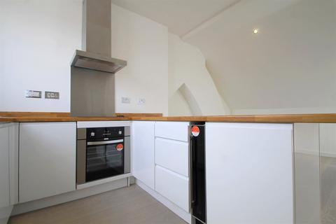2 bedroom flat to rent - Theobald Road (2 bed), Canton