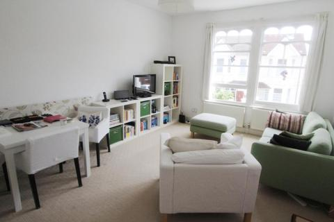 2 bedroom flat to rent - Leighton Road, West Ealing, London, W13