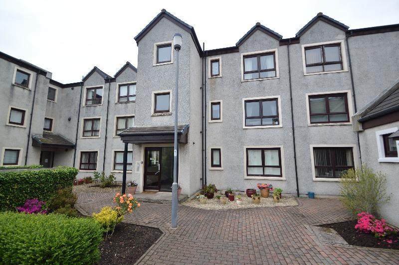 2 Bedrooms Flat for sale in Carters Place , Irvine, North Ayrshire, KA12 0BU