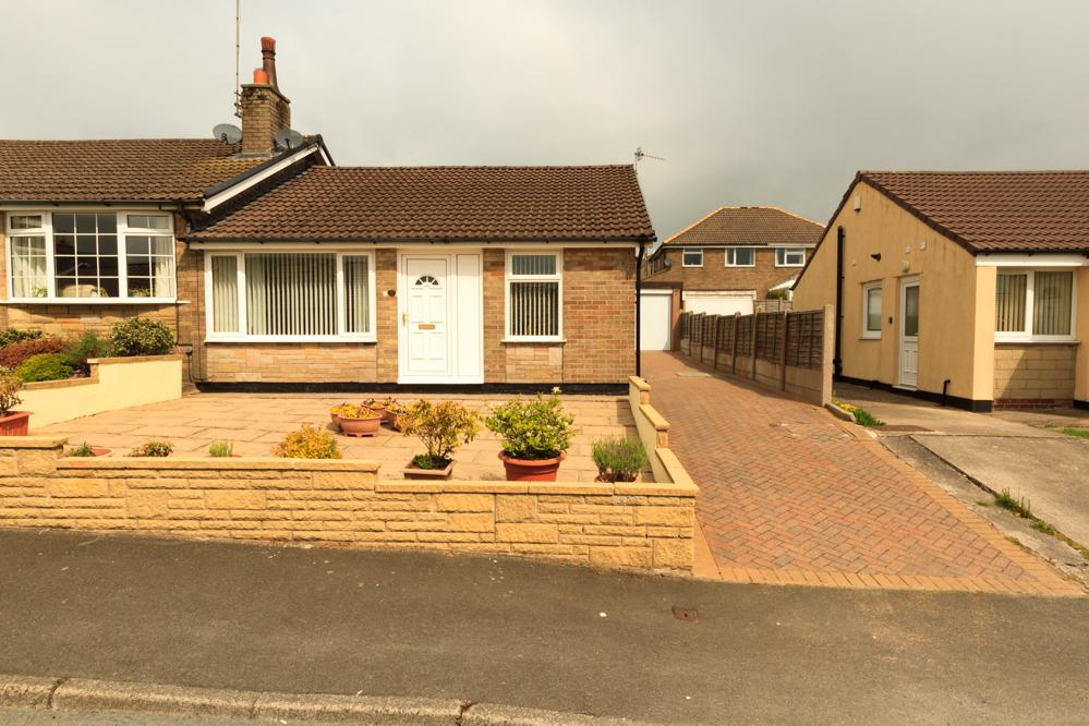 2 Bedrooms Semi Detached House for sale in Ingleborough Drive, Barnoldswick BB18